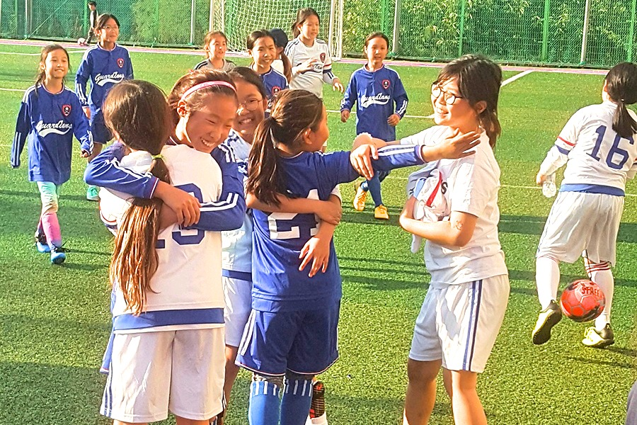 4th & 5th Grade Girls' Soccer Hug
