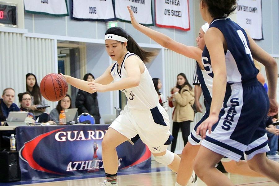 Varsity Basketball Teams Have Rollercoaster Season | Yongsan